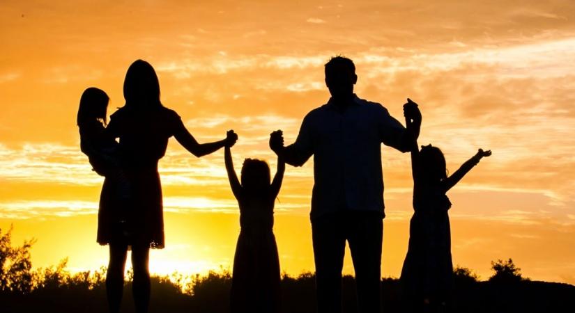 Investimento para os filhos: quais as melhores alternativas para o longo prazo?
