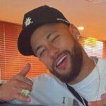 Neymar faz seu 50º teste de covid-19 antes de festa de ano-novo 'misteriosa'