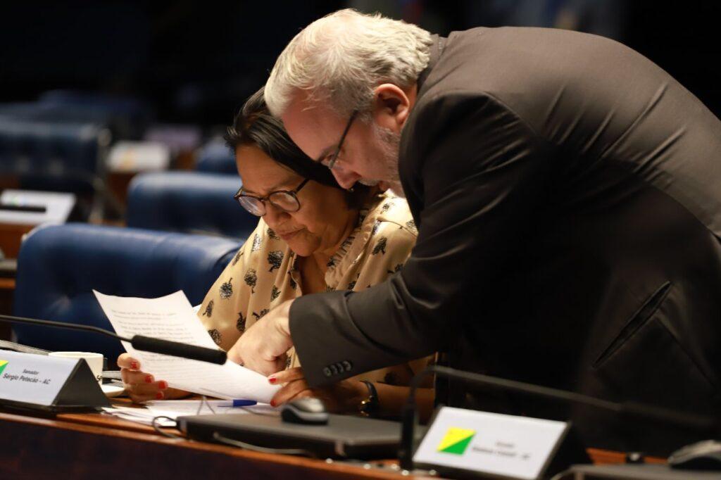 Senador jean prioriza saúde, educação e renda básica da população para enfrentar ano marcado pela pandemia da covid-19