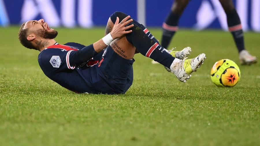 Com lesão no tornozelo, neymar não joga mais em 2020 e voltará em janeiro