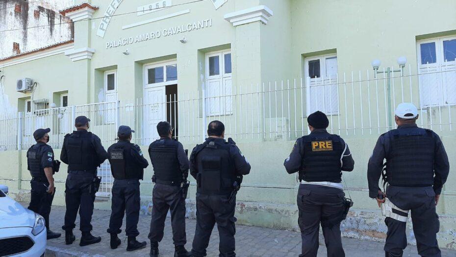 Secretário de saúde e vereador são presos em operação em município do seridó do rn