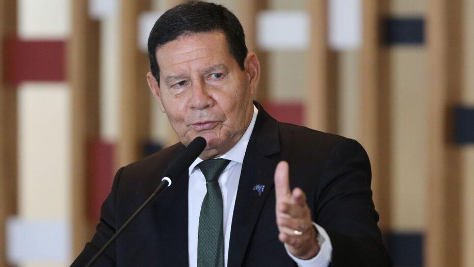Em artigo, vice-presidente mourão pede união e otimismo para 2021