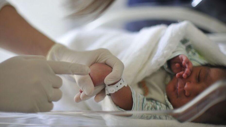 Os nomes de bebês mais escolhidos em 2020 foram helena e miguel