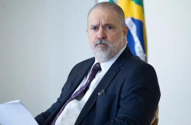 'acusação de ajuda da abin a flávio é grave, mas precisa ser provada', diz aras