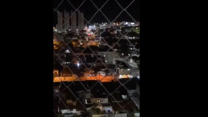 Tiroteio entre assaltantes e policiais assusta moradores e fecha shopping na zona sul de natal; veja vídeos