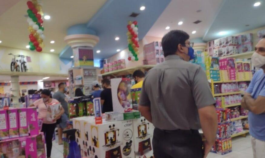 Procon notifica lojas de shopping de natal por descumprimento de normas