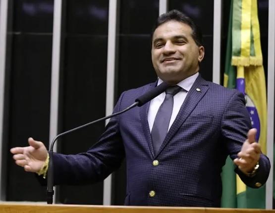Pf investiga deputado josimar maranhãozinho por desvios de r$ 15 milhões em emendas
