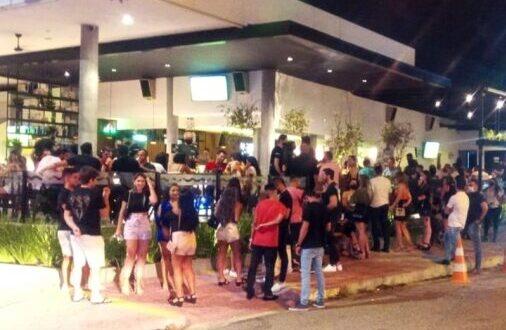 Semurb notifica bares por descumprir regras e inspeciona shopping que gerava aglomeração