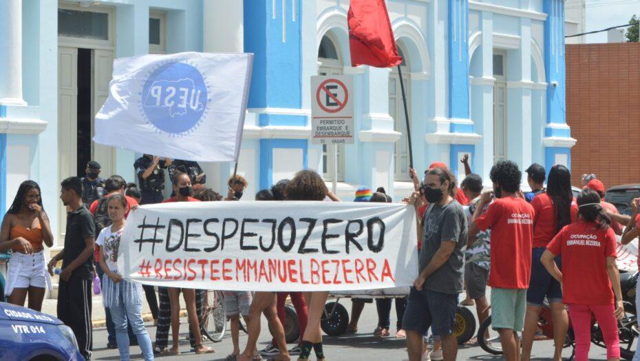 Após protesto, prefeitura recebe integrantes da ocupação da ribeira para reunião