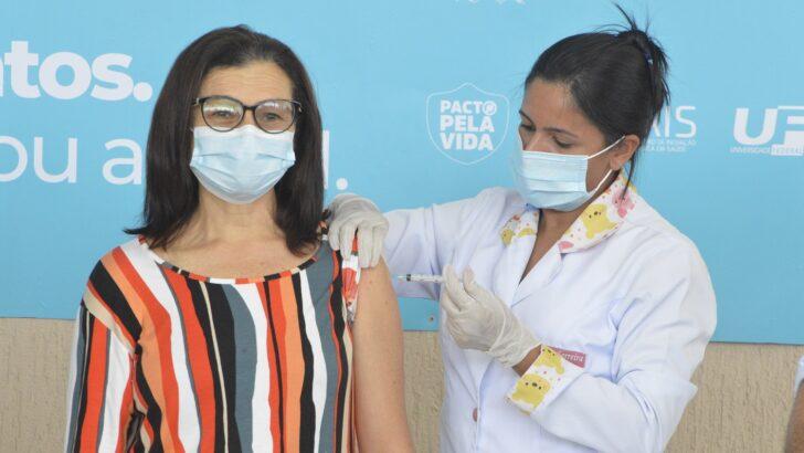 Vacinação contra a covid-19 já teve início em quase todo o país