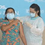 No primeiro dia de campanha, oito pessoas são vacinadas contra a covid-19 no rn