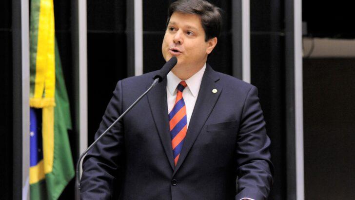 Baleia rossi liga para fátima e pede ajuda da governadora para vencer candidato de bolsonaro na câmara