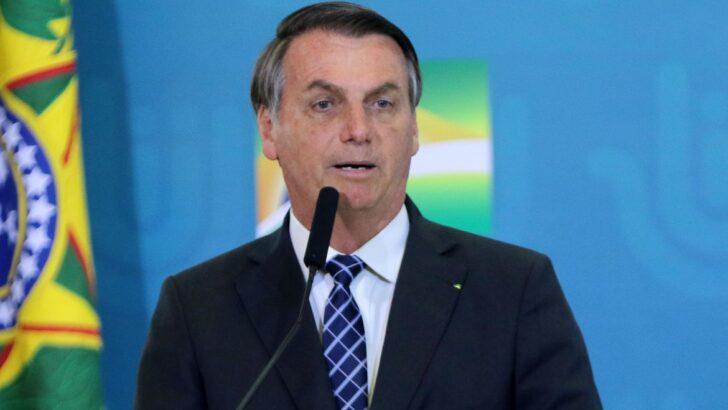 Bolsonaro diz que país está 'quebrado' e culpa covid por não ampliar isenção no ir