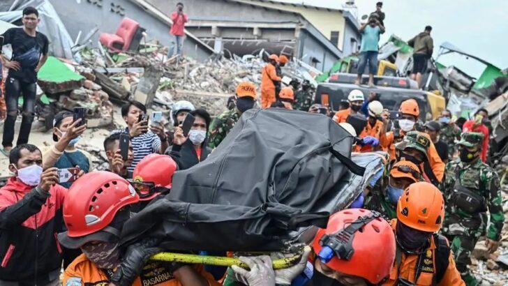 Aumenta para 46 número de mortes por terremoto na indonésia