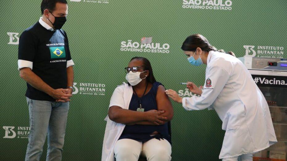 Rn vai receber 82 mil doses da coronavac; vacinação deve começar na quarta-feira