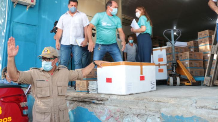 Rn começa distribuição de novos lotes de vacina contra a covid-19