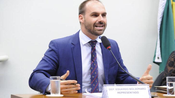 Justiça condena eduardo bolsonaro a indenizar repórter da folha por danos morais