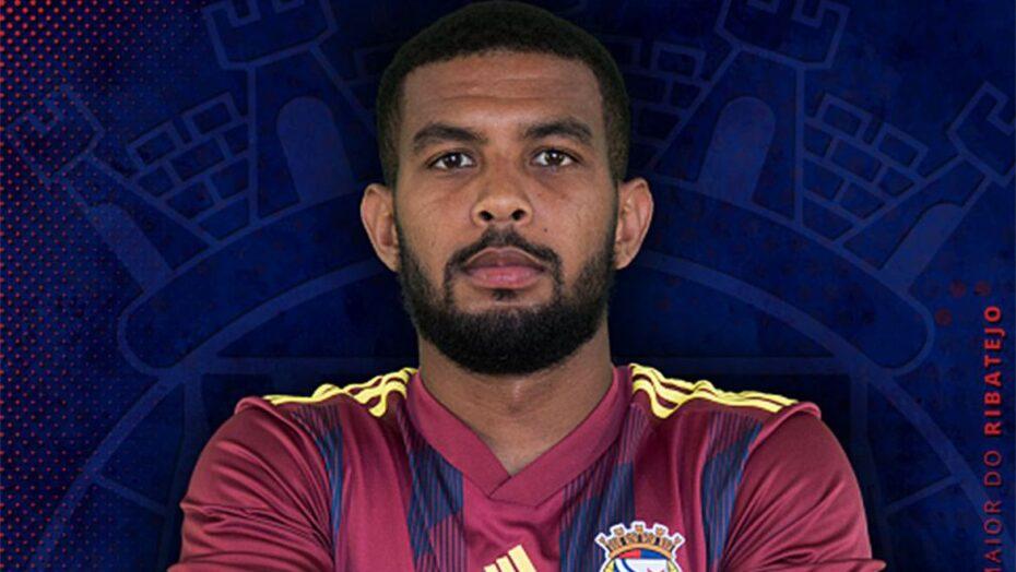 Jogador brasileiro morre 4 dias após parada cardiorespiratória em campo