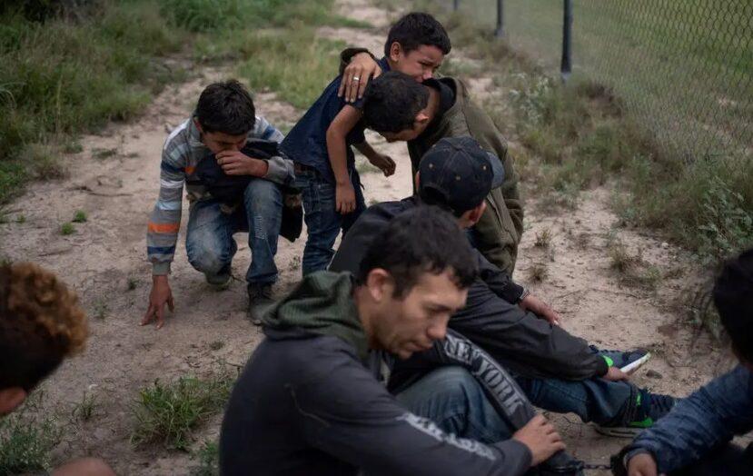 Governo biden rescinde política de 'tolerância zero' de imigração da era trump