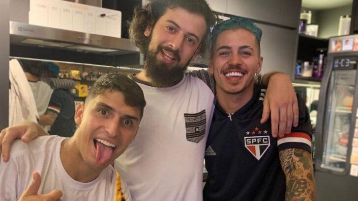 """""""trio de cancelados"""": biel, prior e cartolouco posam juntos em publicação e viralizam na web"""