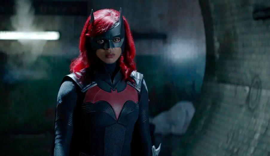 Javicia leslie quer empoderar outras pessoas no papel de batwoman