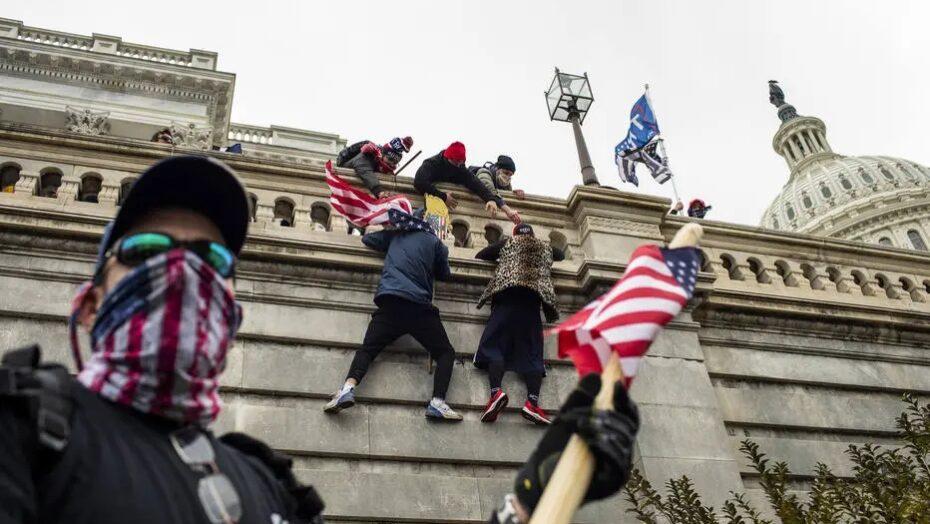 Após invasão do capitólio, grupos pró-trump organizam atos para posse de biden
