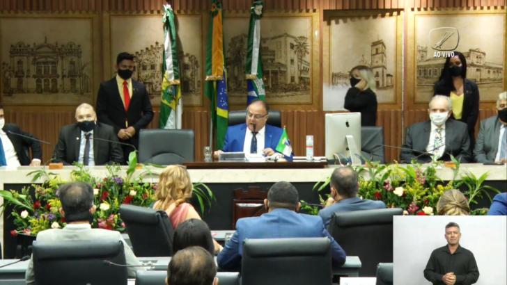 Ao vivo: acompanhe a posse do prefeito reeleito Álvaro dias