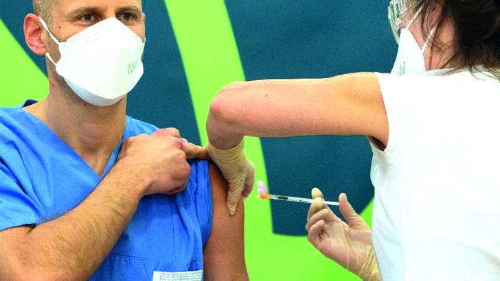 Governo restringe exportação de seringas após fracasso em compra da saúde