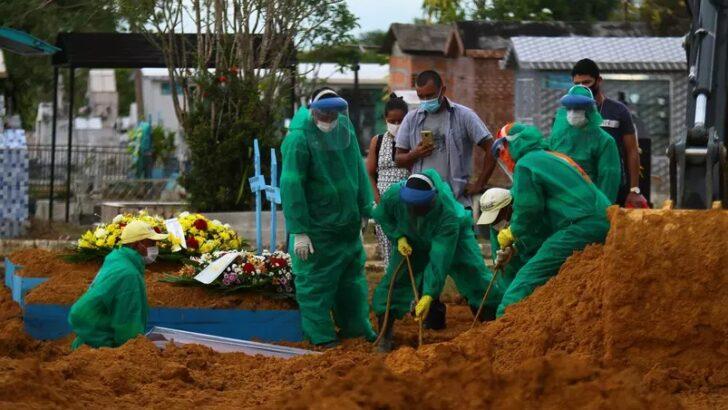Com 1.096 vítimas em 24h, brasil ultrapassa 215 mil mortes por covid-19