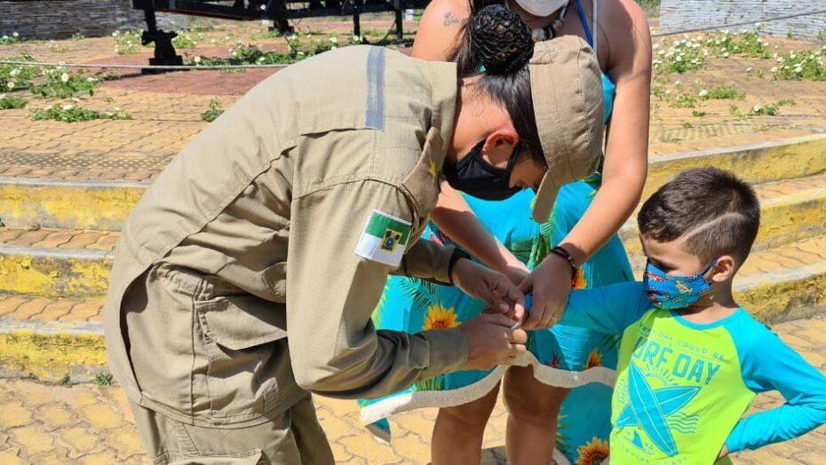 Bombeiros do rn dão dicas de como aproveitar a praia e orienta sobre os cuidados com crianças