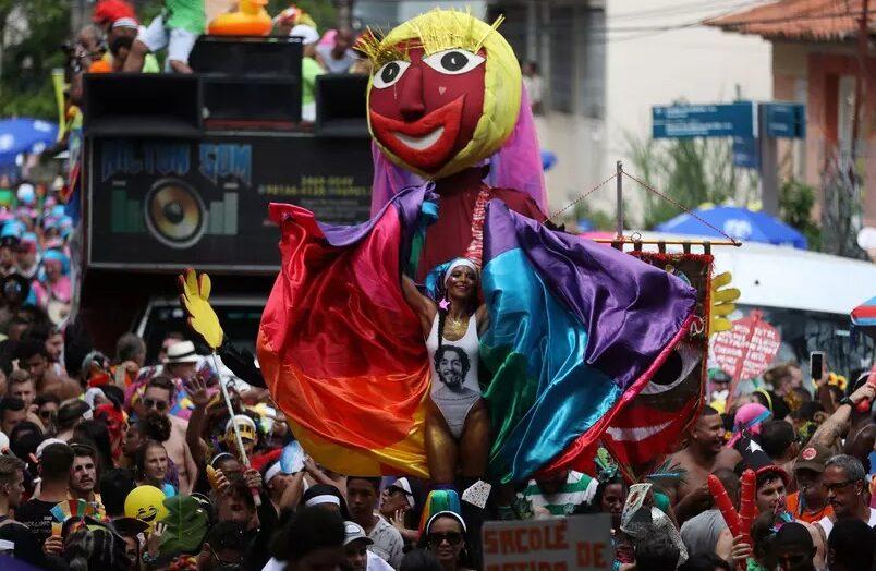 Rio de janeiro vai ter 'carnaval fora de época' todos os anos em julho