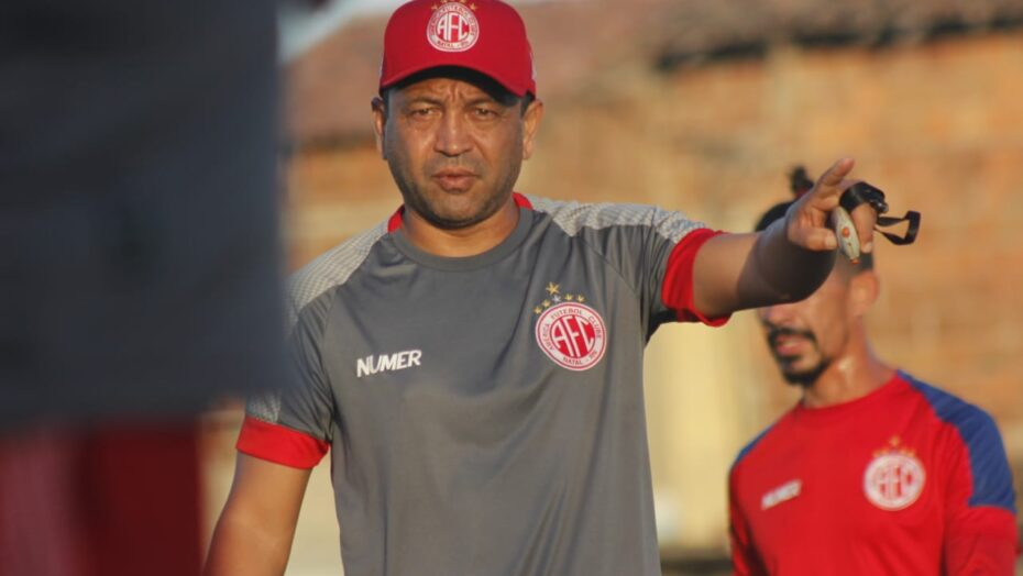 Após eliminação na série d, américa demite técnico paulinho kobayashi
