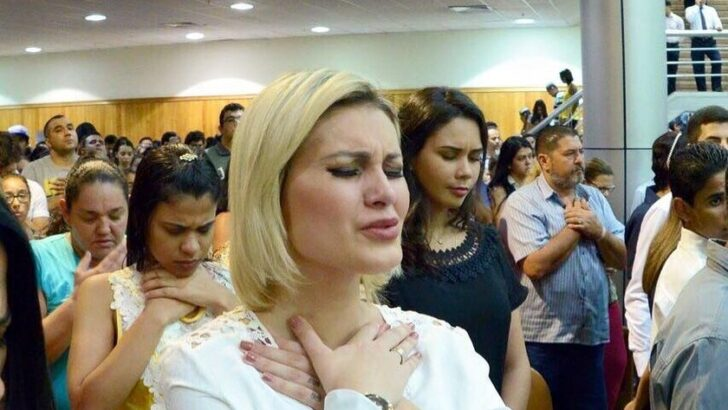 Andressa urach cobra na justiça os r$ 2 milhões que doou à igreja universal