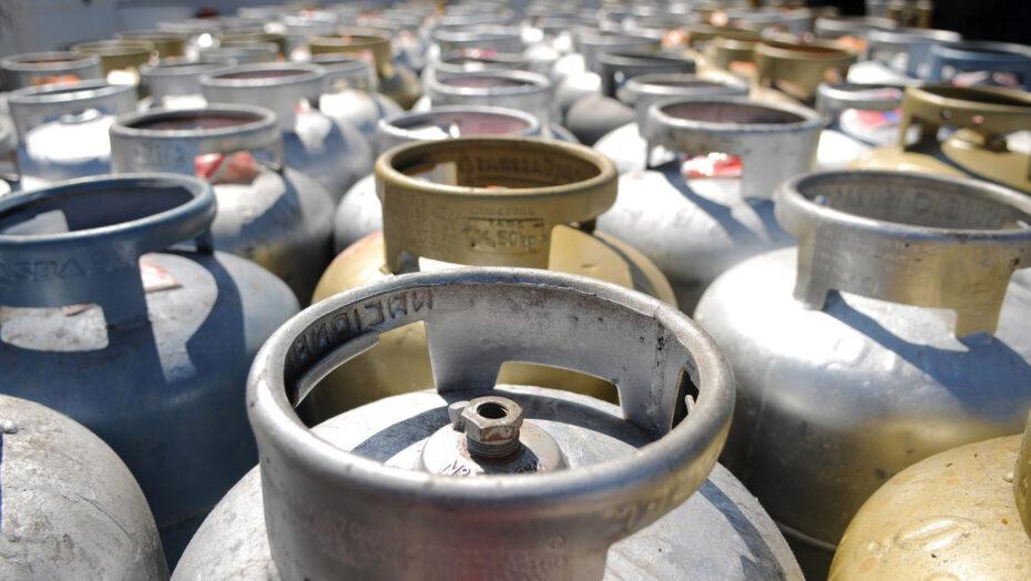 Governo deve zerar imposto sobre gás de cozinha, mas redução será de apenas r$ 2