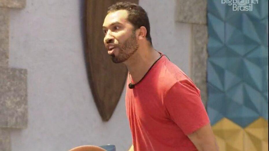 Gil surta no bbb21 após discussão e grita: 'me coloca no paredão, quero sair'; veja vÍdeo