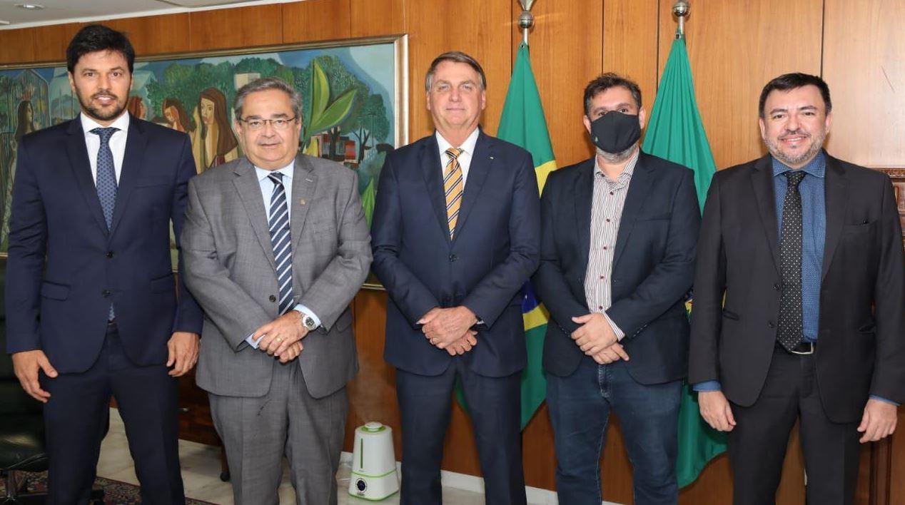 Álvaro Dias se reúne com Bolsonaro e confirma investimentos no projeto da orla de Ponta Negra