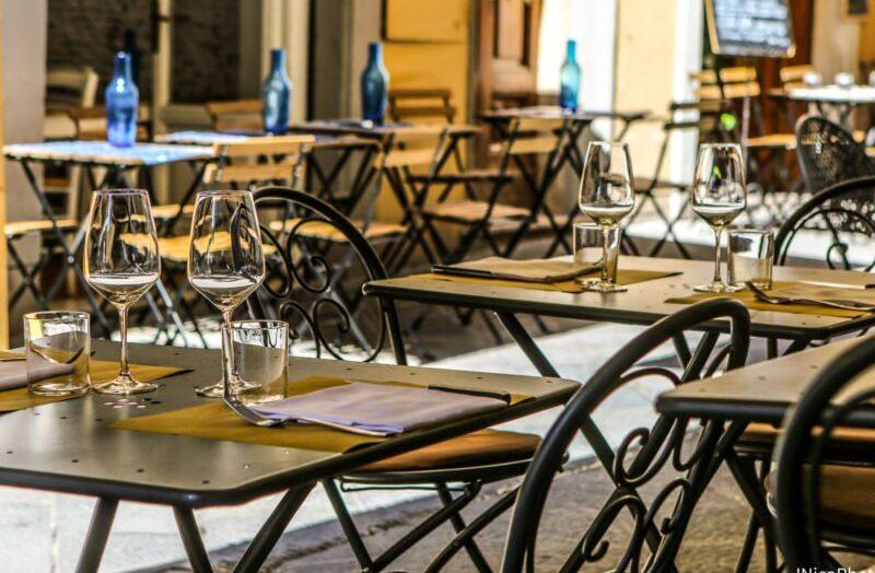 Mossoró publica decreto com restrições para funcionamento de bares e restaurantes