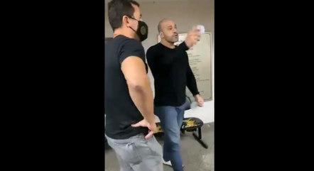 Vídeo: deputado bolsonarista desacata policial que pede para ele usar máscara