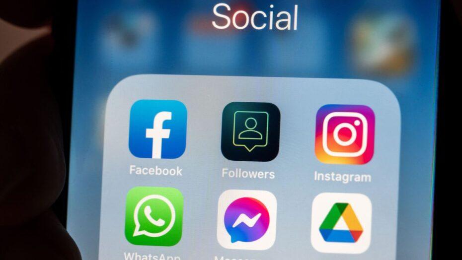 'vida perfeita' em redes sociais pode afetar a saúde mental