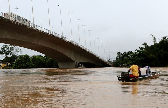 Acre decreta estado de calamidade pública devido a enchentes