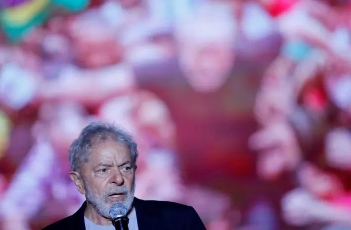 Lula diz que se receber de volta os direitos políticos pode ser candidato em 2022 'para derrotar o tal bolsonarismo'