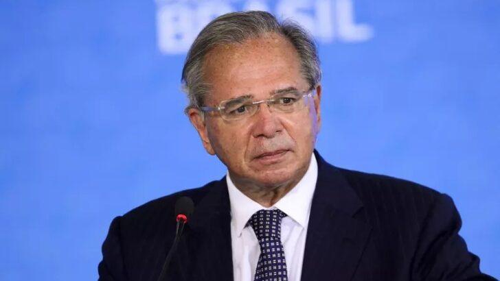 Guedes cancela participação em evento por reunião de emergência com lira