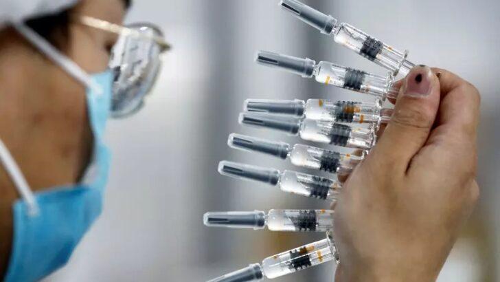 Terceira dose: moderna e pfizer fazem testes de vacinas contra mutações
