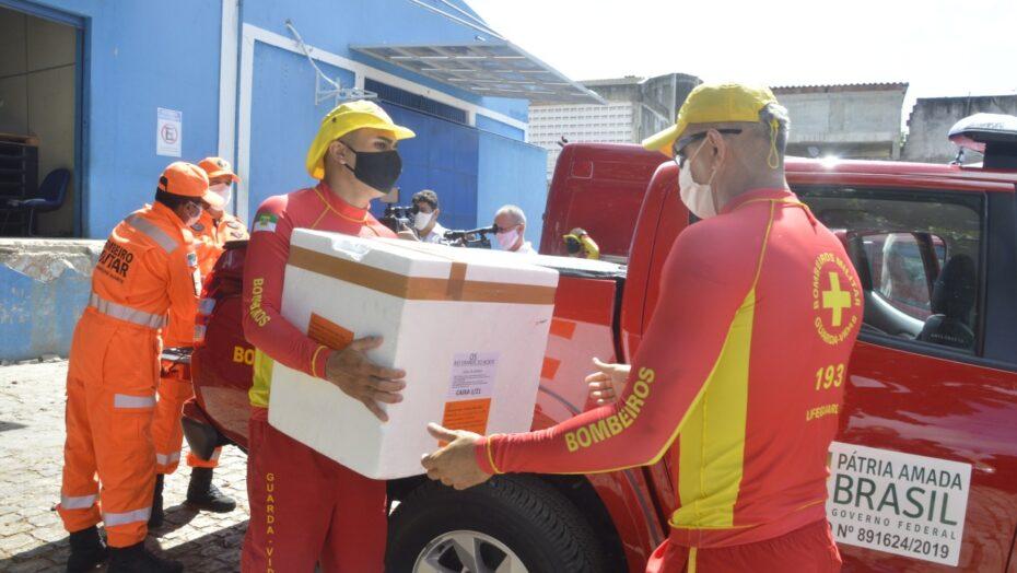 Corpo de bombeiros faz distribuição de lote de vacinas para municípios do rn