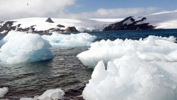 Antártida: degelo provoca separação de iceberg