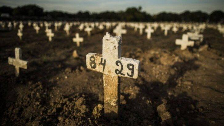 Brasil registra 1.699 mortes por covid em 24 horas; média móvel continua a subir