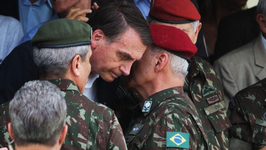 Oposição pede impeachment de bolsonaro por suposto uso das forças armadas