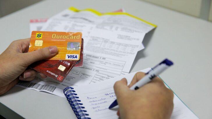 Feirão de negociação de dívidas com cartão de crédito tem desconto de até 99%