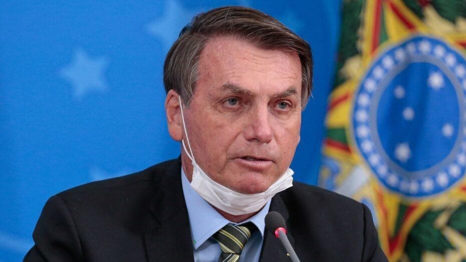 """Bolsonaro diz que """"joga dentro da constituição"""""""