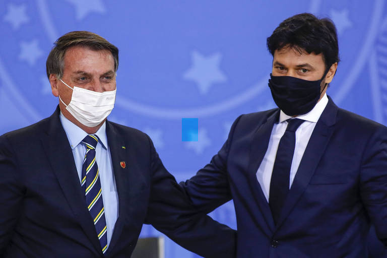 Bolsonaro e fábio faria citam repasses federais para saúde em meio à lotação de utis